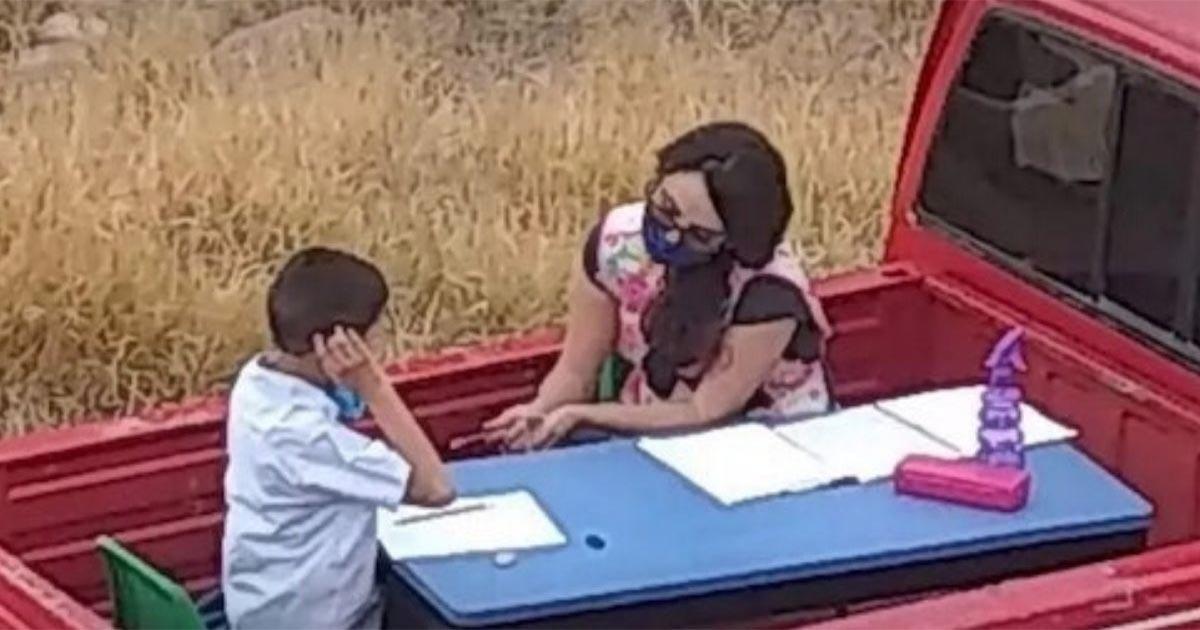 Professora adapta seu carro e cria sala de aula móvel para ajudar cada um de seus alunos 1