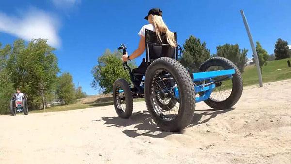 Marido cria cadeira de rodas off-road para a esposa ir a lugares que nunca imaginou 8
