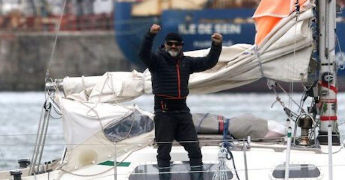filho atravessa mundo veleiro encontrar pai