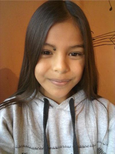 Menina em foto de perfil