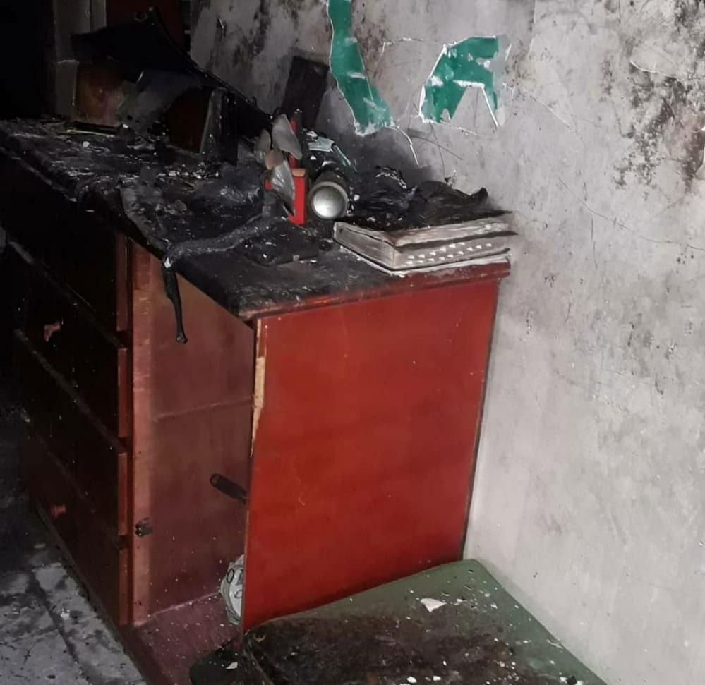 móvel queimado incêndio