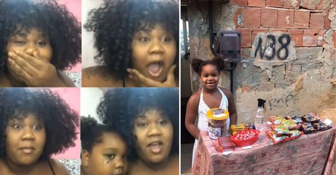 Reações de rosto de mãe e filha ao saberem que vão ganhar um computador e menina em frente a barraca de doces