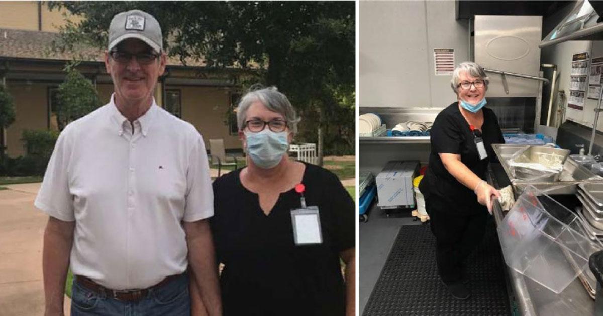 Mulher trabalha como lavadora de pratos em asilo para poder ver marido com Alzheimer durante a pandemia 1