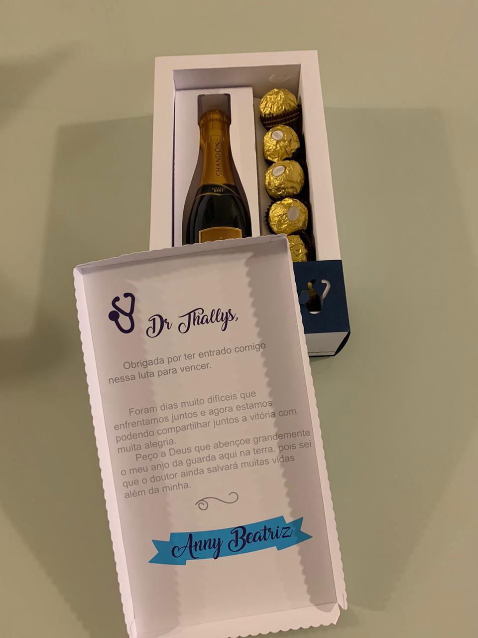 caixa com espumante e chocolates