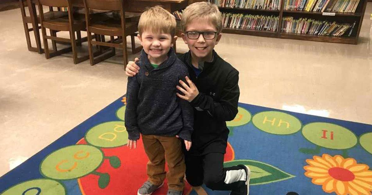 Menino de 9 anos salva seu primo de 3 anos que estava engasgado com bala 1