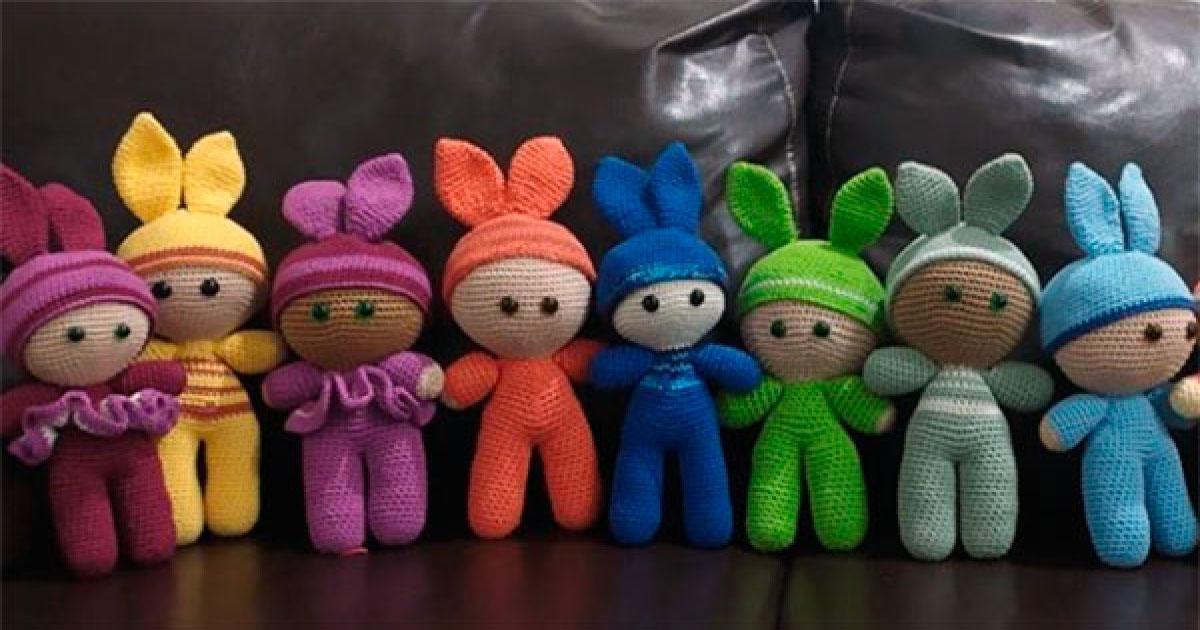 Após vencer a doença, professora cria bonecas sem cabelo para doar à crianças em tratamento de câncer 1
