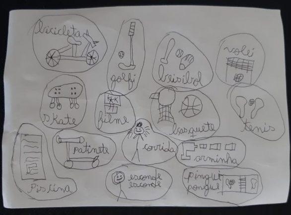 Desenhos feitos por criança