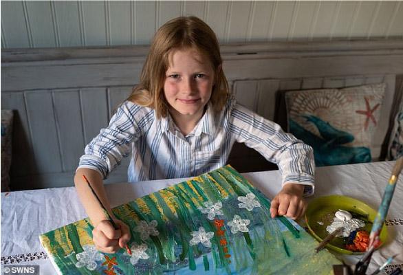 Daisy pintando