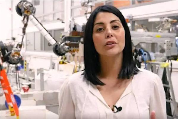 Diana é engenheira da NASA