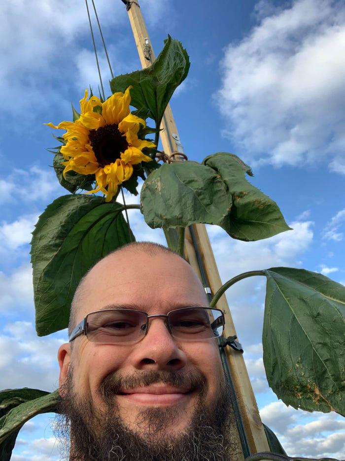 selfie homem girassol