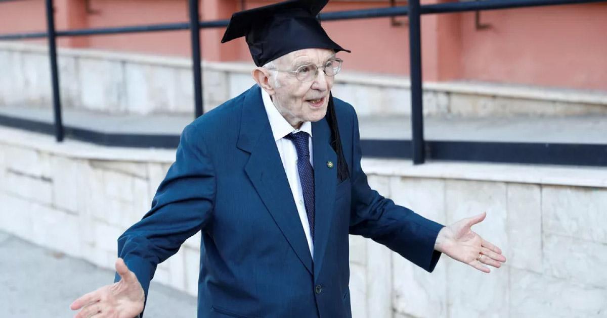 Aos 96 anos, italiano se torna o mais velho do país a se formar em universidade 1