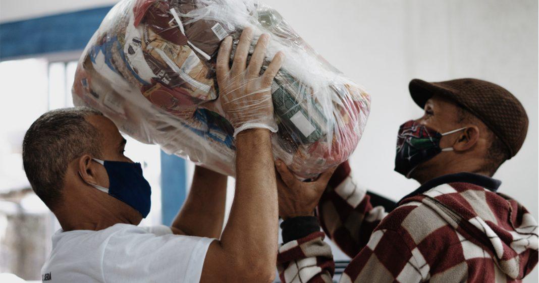Mastercard bate meta e doa o equivalente a 3,4 milhões de refeições a comunidades carentes 2