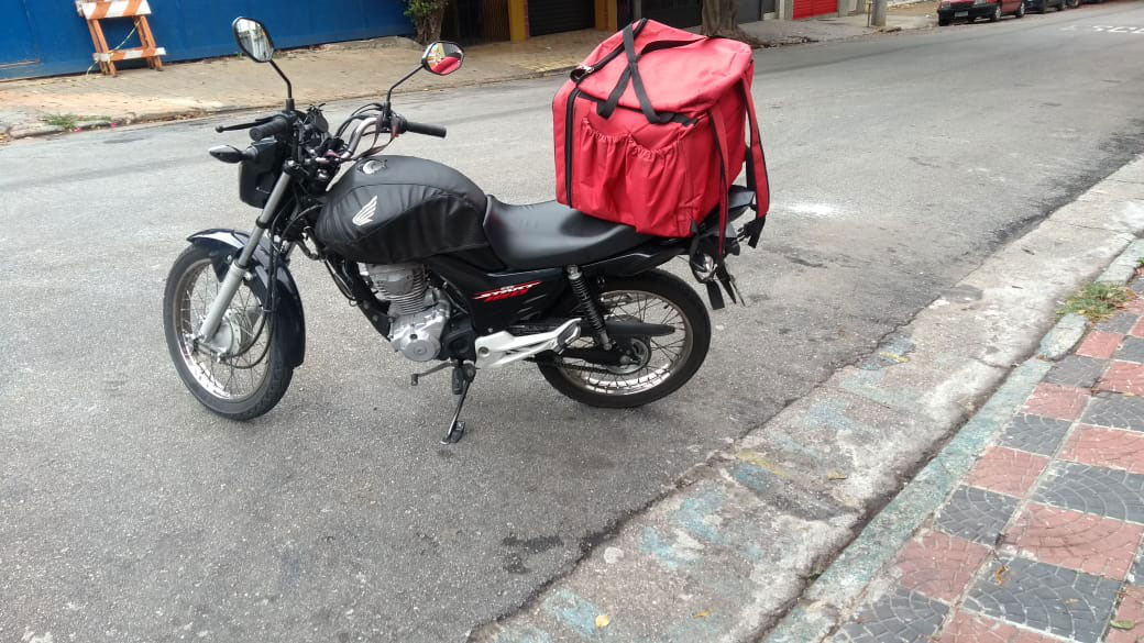 moto entregador aplicativo estacionada rua