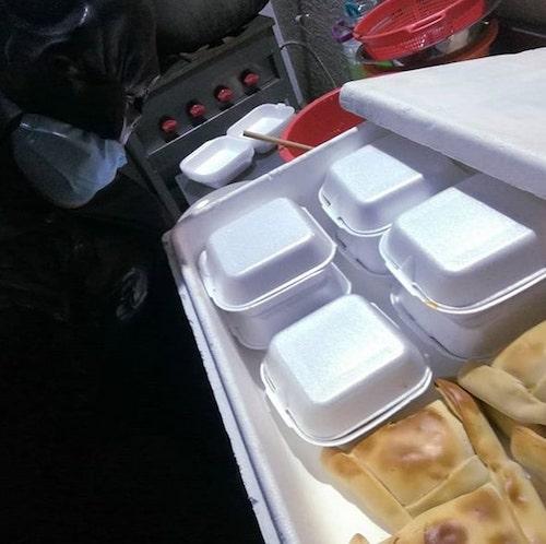 O chileno que se veste de Batman para distribuir comida aos necessitados 3