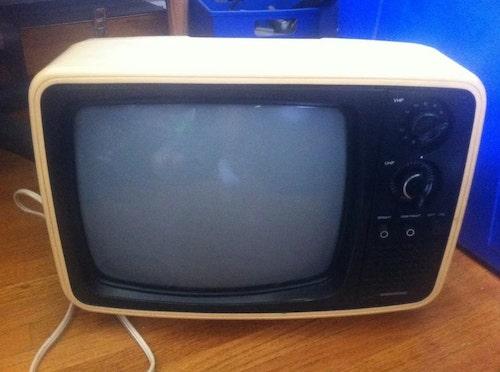 tutorial tv vintage em casinha de gato 1