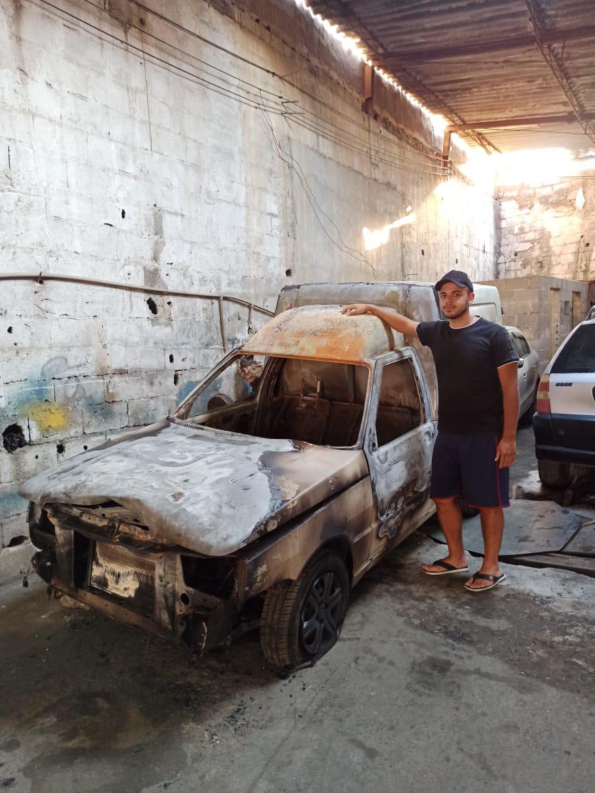 carcaça de carro queimado incêndio