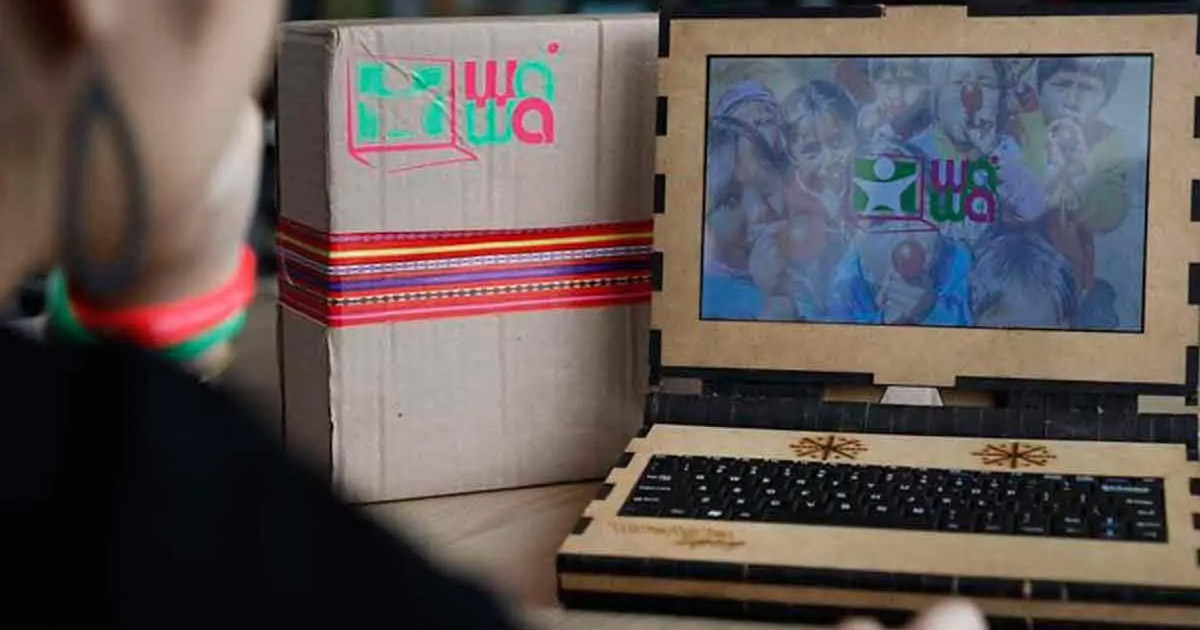 Empresa cria laptop ecológico, feito de madeira e que funciona com energia solar 1