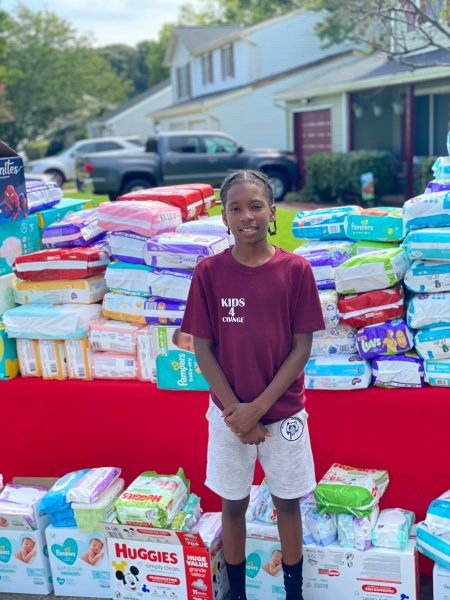 cartier mostra as fraldas que comprou com doações
