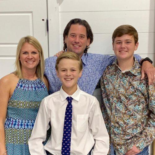 FAMILIA Chuck