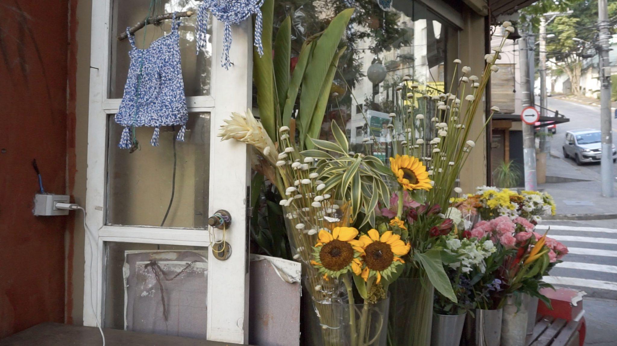 Em vez de flores, marido abre floricultura para surpreender esposa internada e transforma suas vidas 3