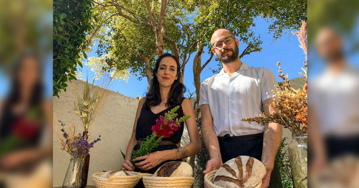 """Em meio a pandemia, casal se reinventa e cria floricultura-padaria: """"para as pessoas sorrirem mais"""" 1"""