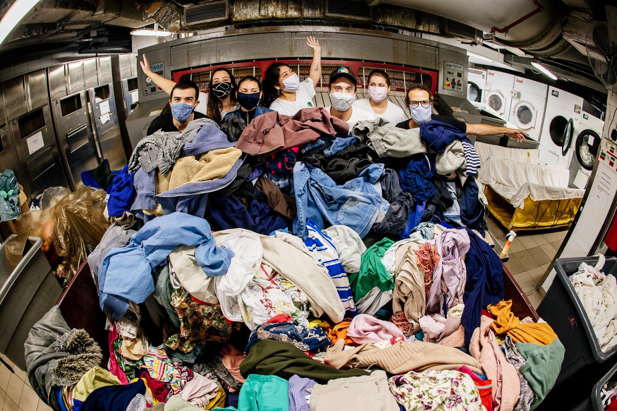 Projeto aumentará oferta de banho e lavagem de roupas para moradores de rua com suporte de OMO 3