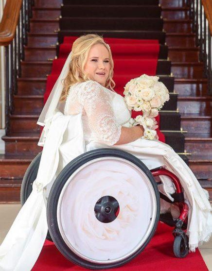 irmãs criam capinha de cadeira de rodas