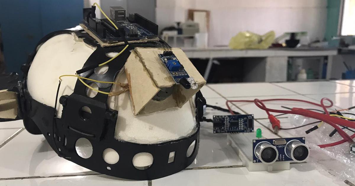 Alunos do CE transformam capacete de construção civil em sensor de movimento para deficientes visuais 1