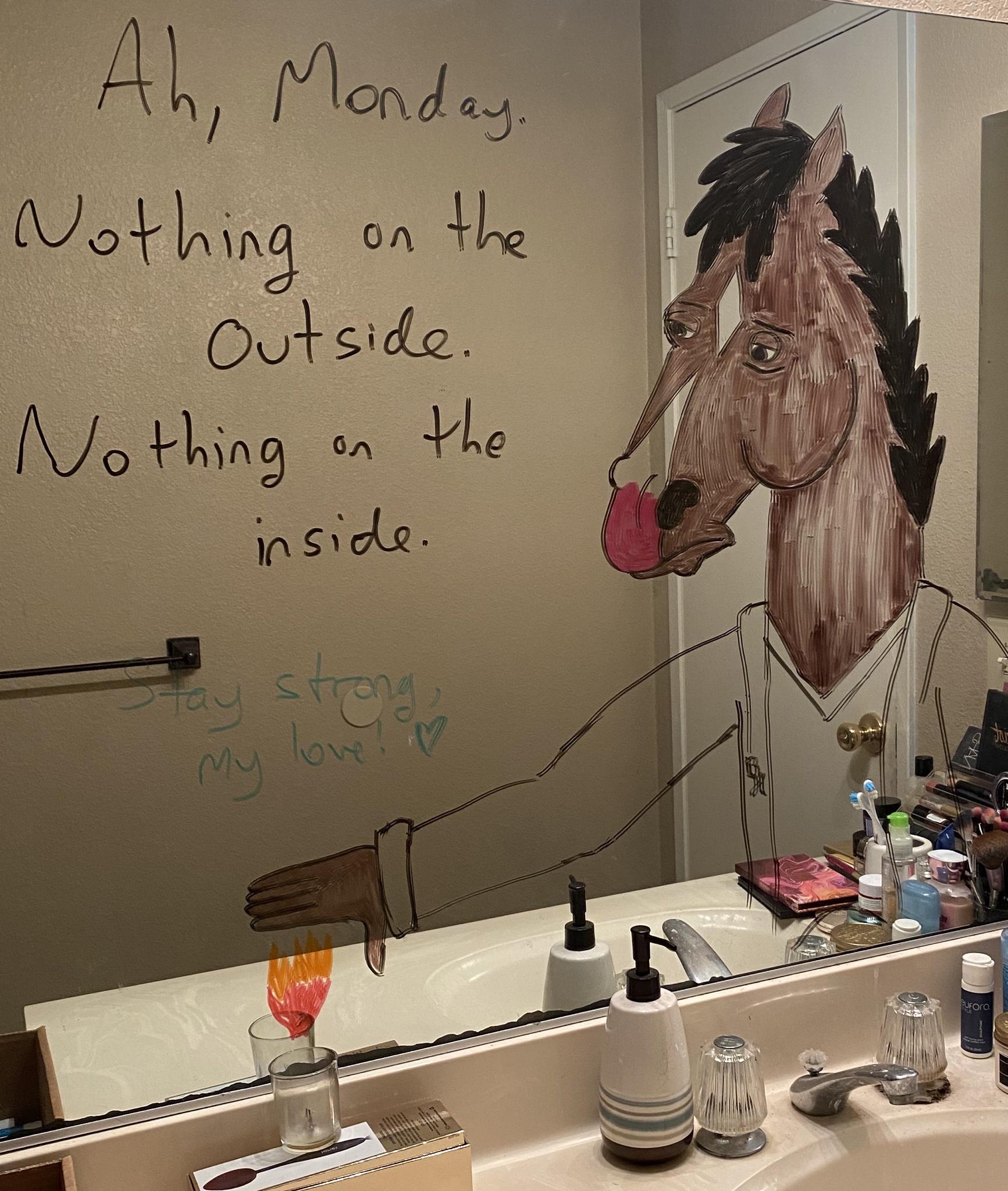 Marido faz desenhos hilários no espelho do banheiro para esposa ir trabalhar mais relaxada 3