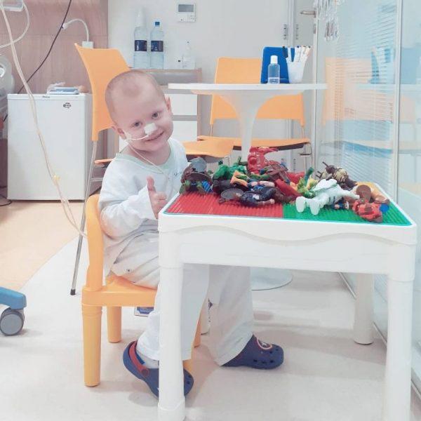 Enzo se recupera de um transplante de medula