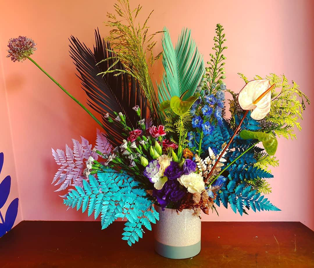 Mãe cria atelier de flores para ajudar trabalho humanitário da filha com refugiados: Flores para os Refugiados 3