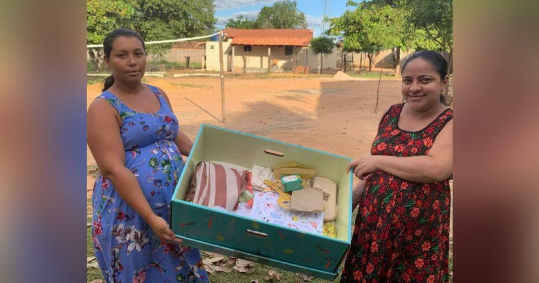 grávidas ganham berço de papelão