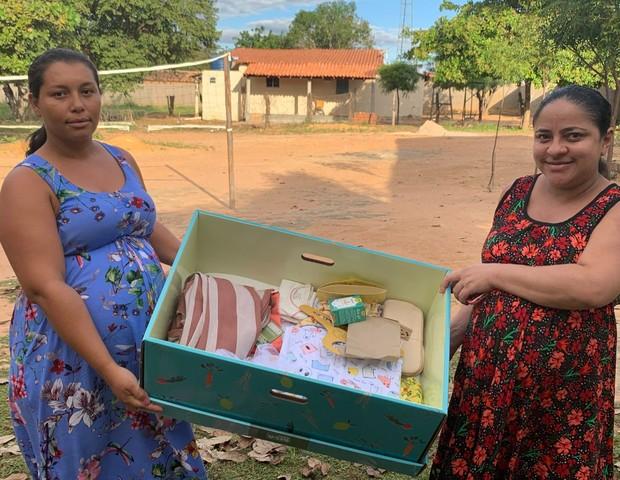 grávidas ganham mini berço