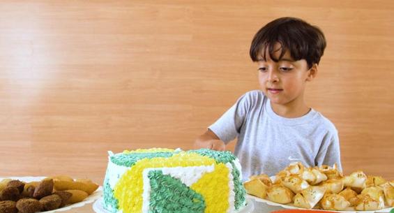 Menino pede aniversário de 7 anos com tema MRV e empresa faz linda festa surpresa! 4