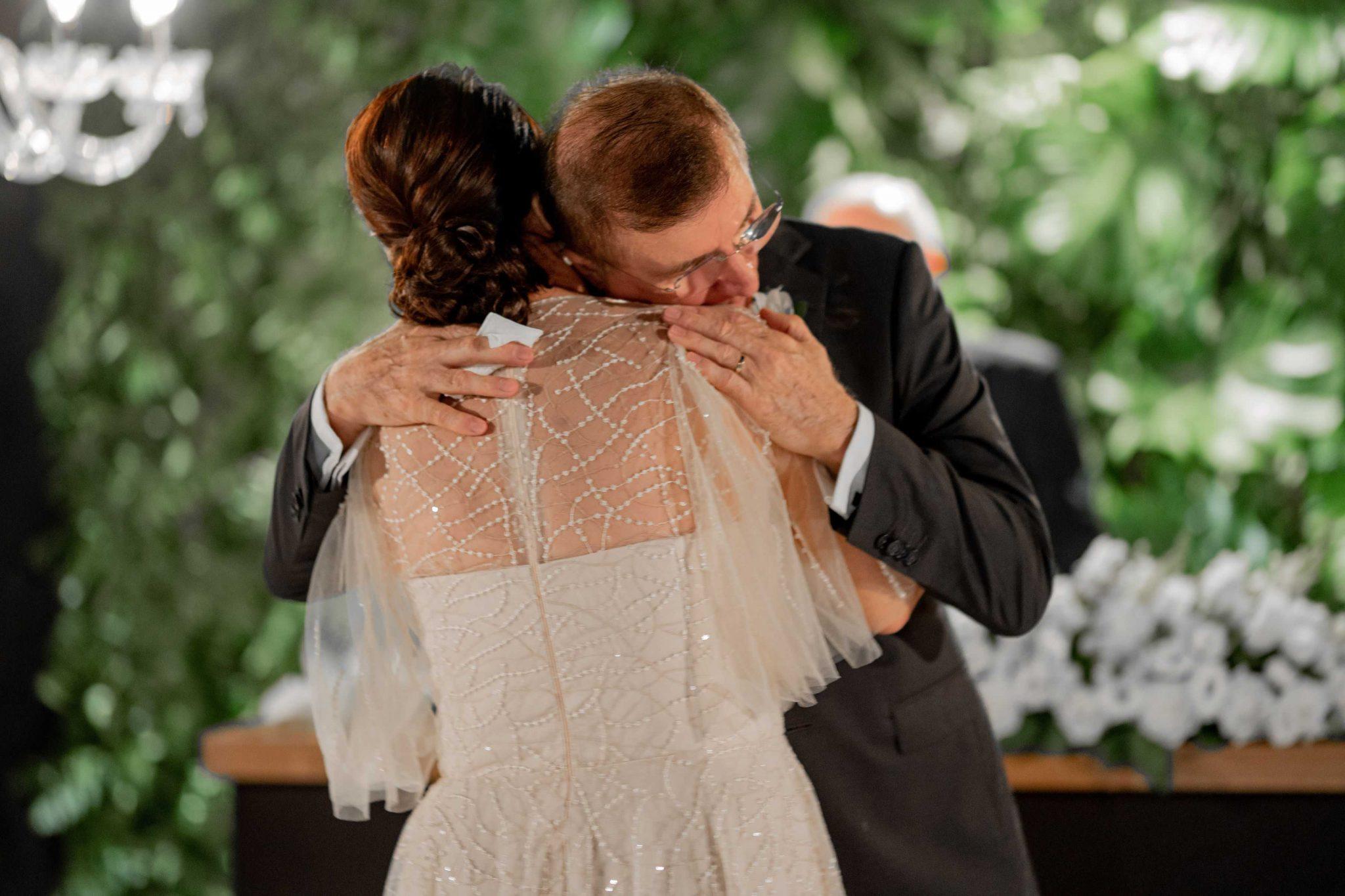 Filhos realizam o sonho da mãe e organizam cerimônia de casamento dos pais 40 anos após a união 3