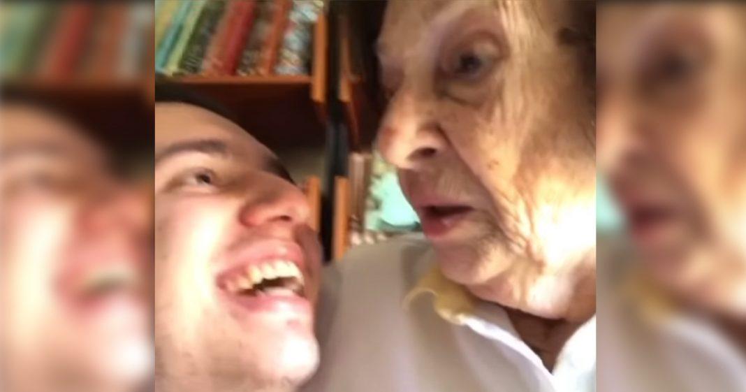 """Neto diz para avó que está 'viciado em Alok' e sua reação é a mais fofa: """"Eu vou te levar num psiquiatra"""" 3"""