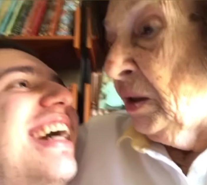 """Neto diz para avó que está 'viciado em Alok' e sua reação é a mais fofa: """"Eu vou te levar num psiquiatra"""" 1"""