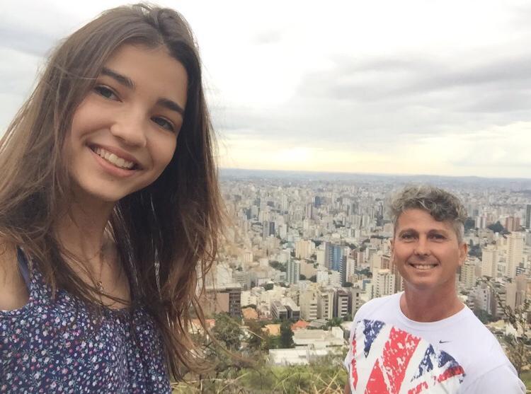 """Filha descobre emocionante lista de desejos que pai deixou após morrer de câncer: """"Aproveitar a vida com a Ju"""" 1"""