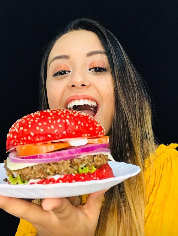 Estudante supera crise financeira abrindo delivery de comida vegetariana com apenas R$ 300, em SP 3