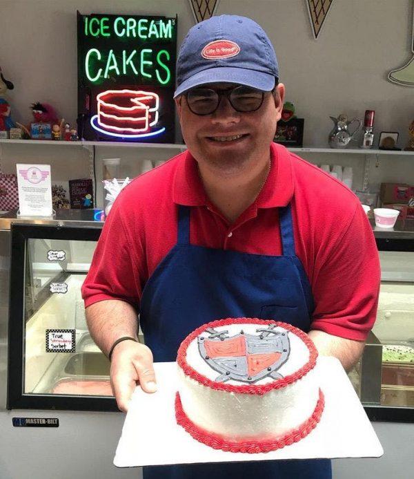 sorveteria tem funcionários com Síndrome de Down