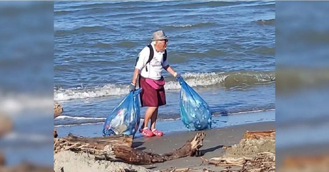 Vovô de 85 anos dedica suas férias de verão tirando o lixo das praias de Veneza, na Itália 1