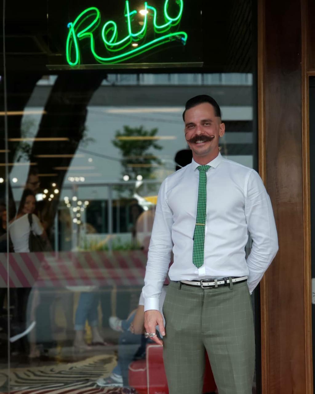 A história inspiradora de Alex Peres, de traficante da Rua Augusta a barbeiro renomado de SP 4