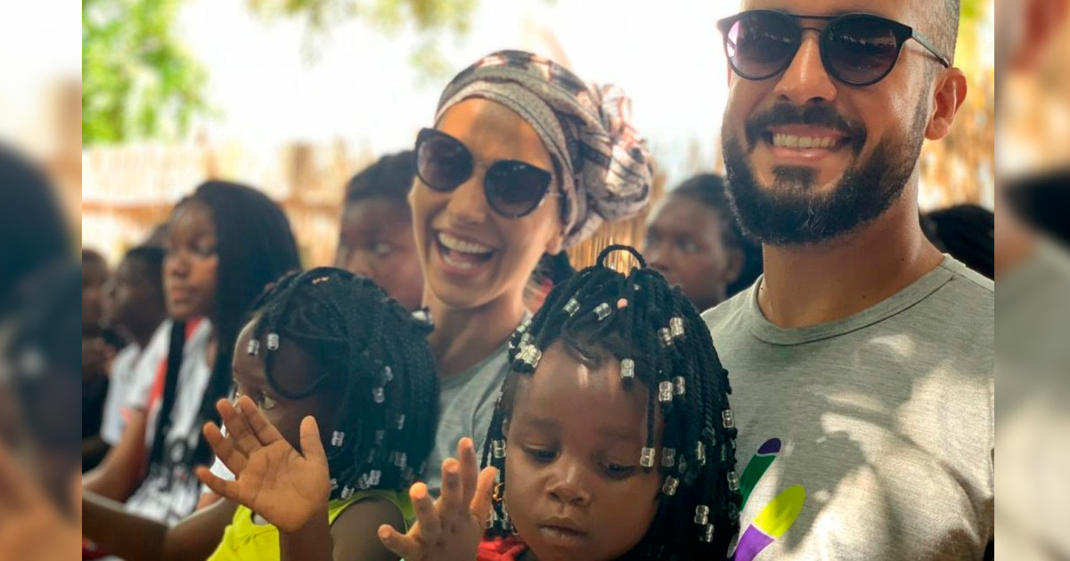 Casal abre mão do sonho da festa de casamento e destina dinheiro para construir escola na África 3