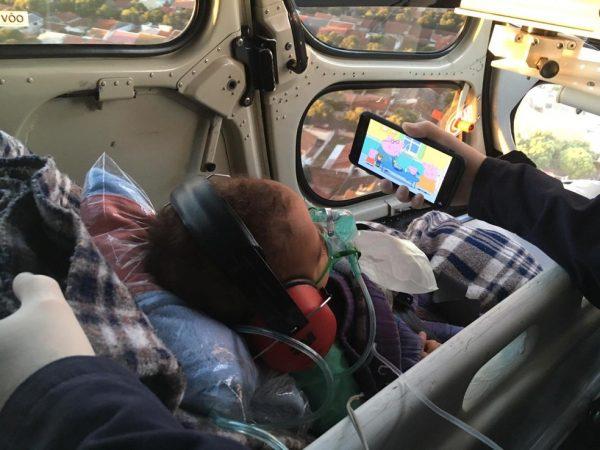 garotinho transferido em helicoptero