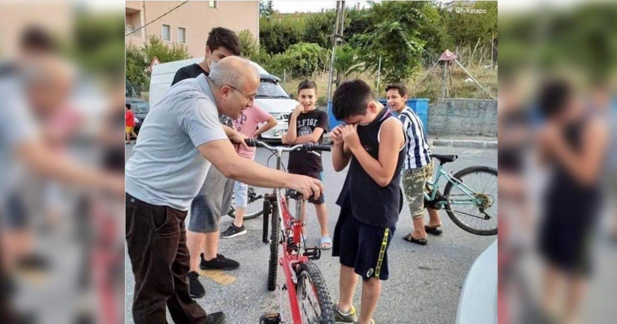 Senhor dá bike nova para menino que amassou seu carro com bicicleta sem freios! 2