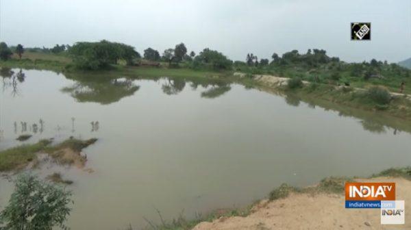 De louco a herói: Indiano escava canal por quase 30 anos e leva água a vila que sofria com a seca 2