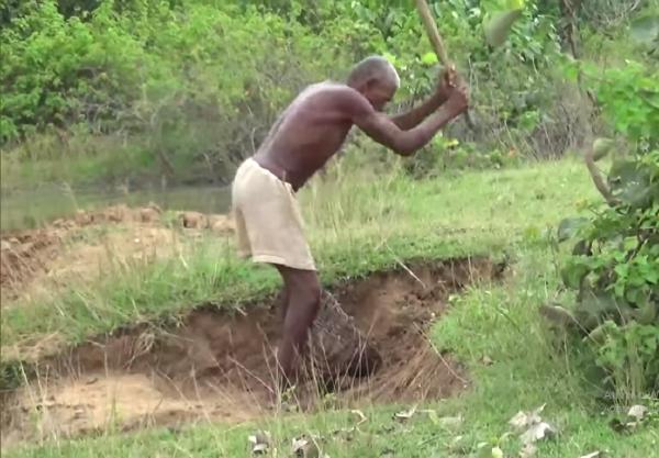 homem cava canal