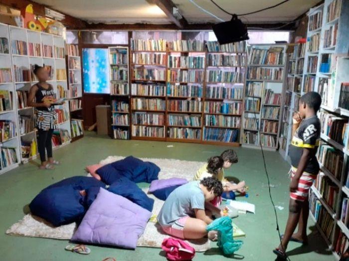 Biblioteca da Lua