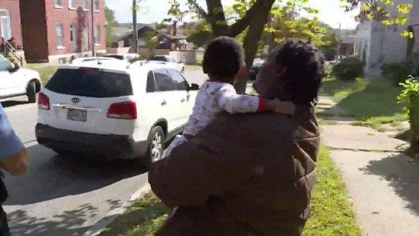 Kh'amorion encontra família