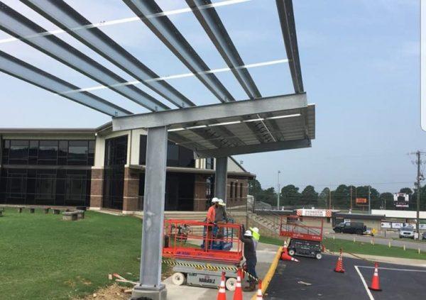 escola instala painéis solares